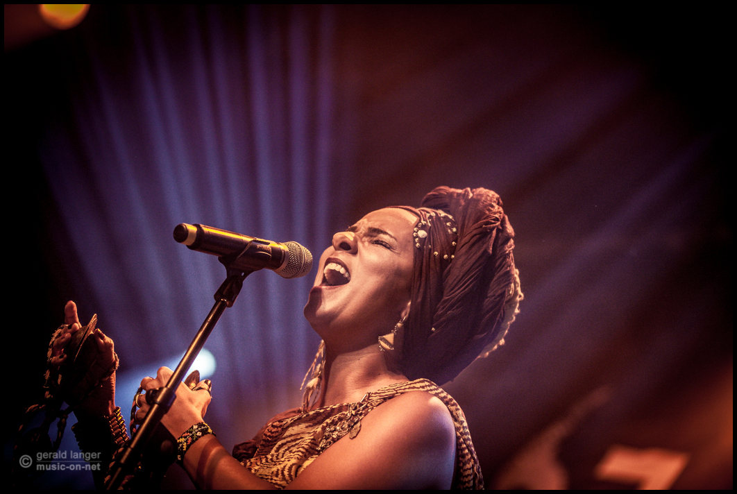 Oum beim 27. Africa Festival Würzburg 2015