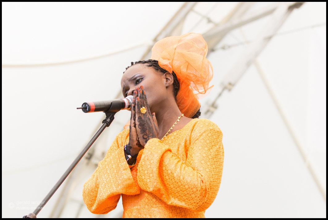 Matona & Zanzibar Taarab Orchestra beim Africa Festival Würzburg 2015