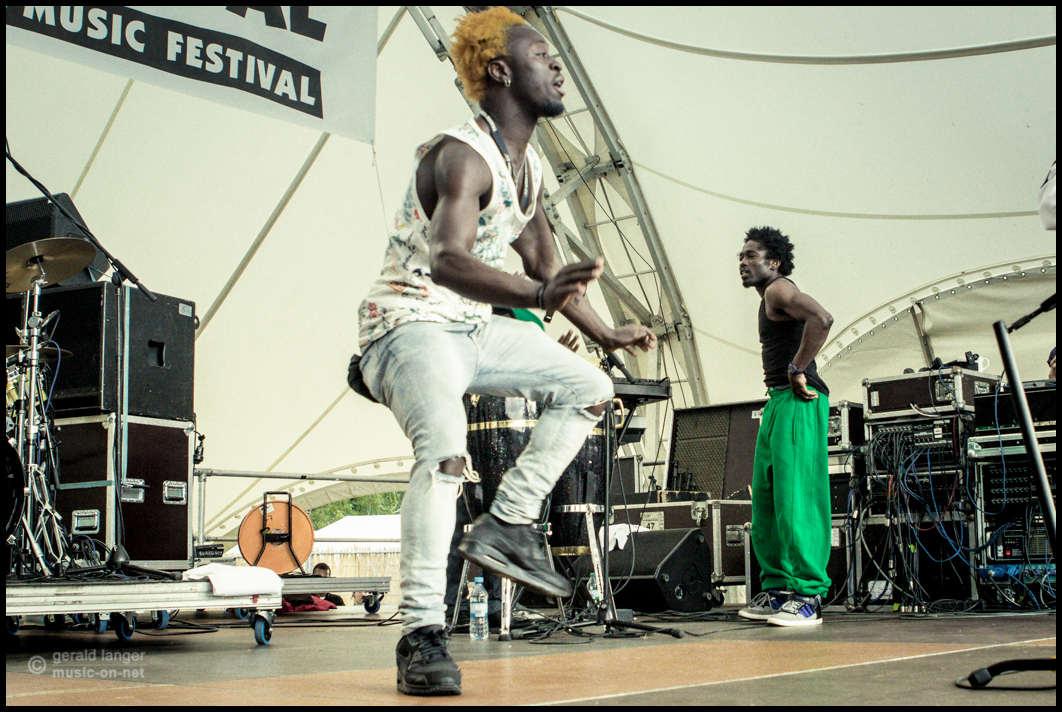 Papa Julius & Zion Nexus beim 27. Africa Festival in Würzburg am 7. Juni 2015© Gerald Langer