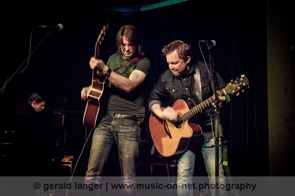 Ray Wilson Acoustic Band am 31. Oktober 2011 in Haßfurt am Main © Gerald Langer