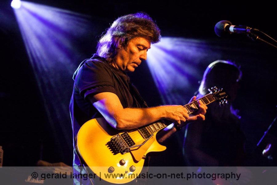 Steve Hackett Electric Band am 23. November 2011 im Aschaffenburger Colos-Saal © Gerald Langer