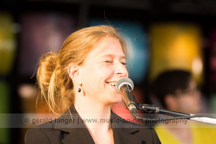 Annika Frerichs beim Umsonst und Draussen Festival Würzburg 2016 © Gerald Langer