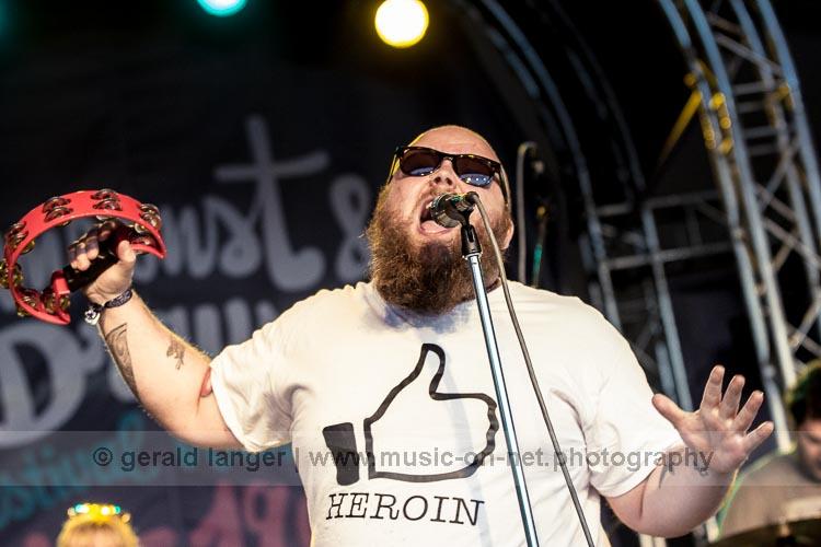 Andreas Kümmert beim Umsonst und Draussen Festival Würzburg 2016 © Gerald Langer
