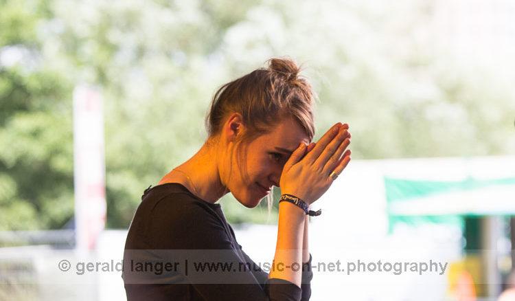 Isabelle Pabst beim Umsonst und Draussen Festival Würzburg 2016 © Gerald Langer