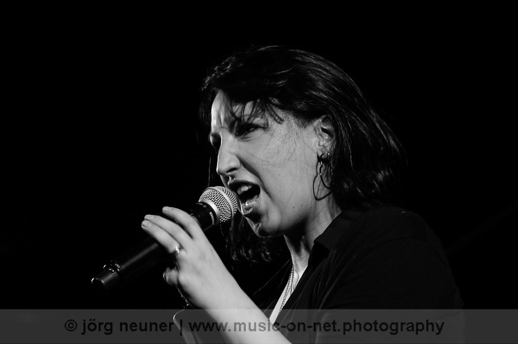 Jessy Martens & Band -18.10.2014 - Blues Club Baden-Baden © Joerg Neuner