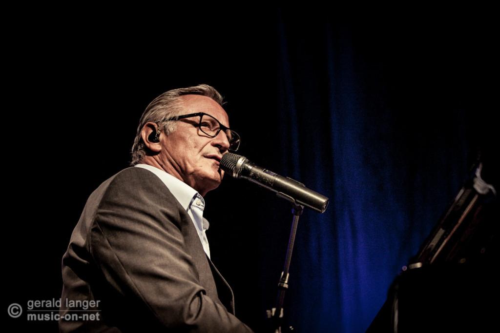 Konstantin Wecker mit Band in der Wuerzburger Posthalle am 7. November 2014 © Gerald Langer