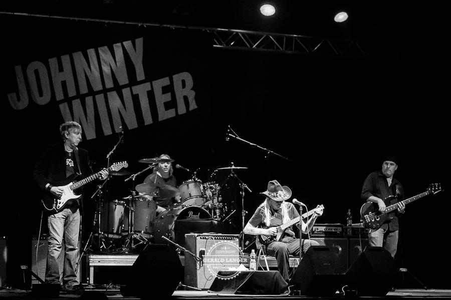 Johnny-Winter_Posthalle-Wuerzburg-2012-©-Gerald-Langer_22